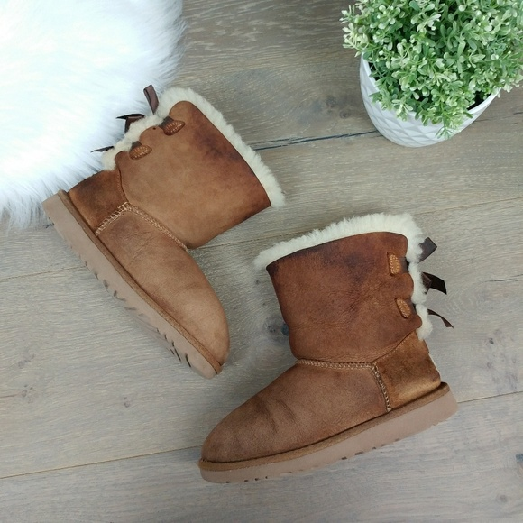 Ugg Bailey bow sheepskin bootsTan/light brown
